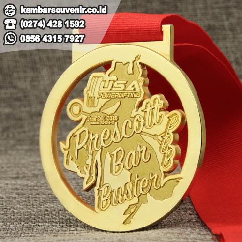 harga medali plastik