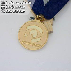 buat medali murah