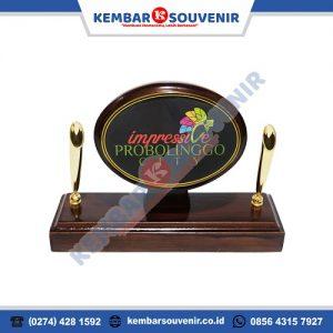 Contoh Plakat Kayu Tempat Pulpen Pen Holder